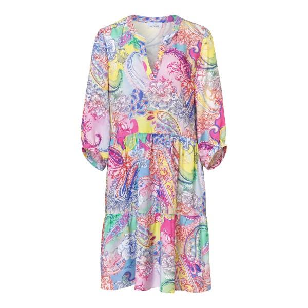 Modisches 3/4-Arm Sommerkleid mit femininen Volants, tiefem V-Ausschnitt und Paisley Muster in Pink, Rosa von JUST WHITE