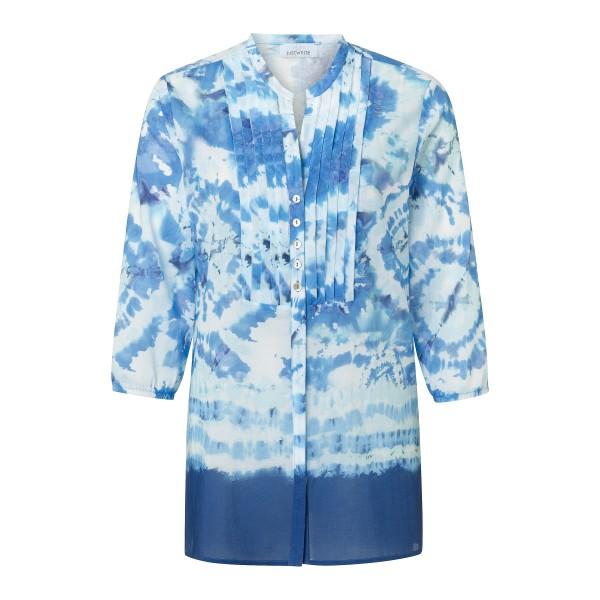 Tunikabluse mit Batik Optik in Blau und Knopfleiste mit Perlmutt Knöpfen von JUST WHITE